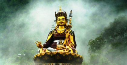 Guru_Rinpoche_in_mist_2_edit